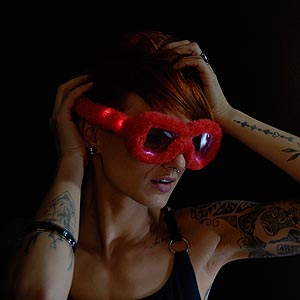 0042-907 LED Pluesch Brille rot